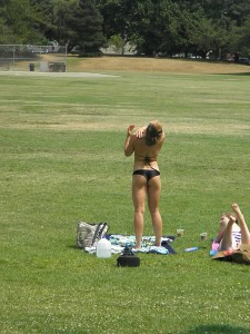 greenlake gal of 07/05/2015 in a type of thong!